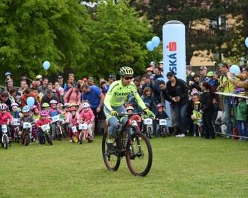 na-cyklistickej-detskej-tour-vo-svtom-jure-_26753402335_o